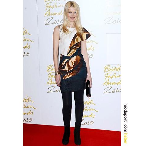 Claudia Schiffer'ın mini gece elbisesi