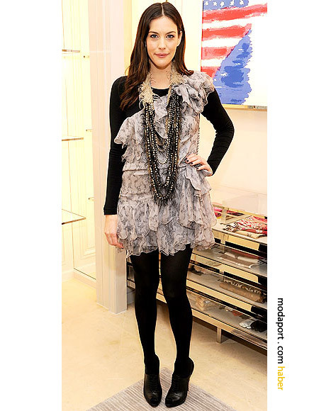 Liv Tyler'dan DIY kışlık kokteyl elbisesi