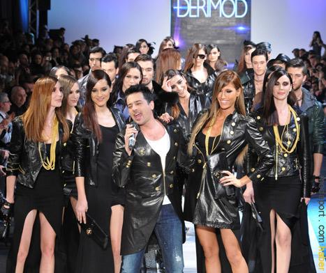 Istanbul Fashion Week Derimod defilesinde yıldız isimler podyumda..
