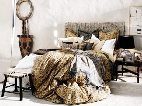 Leopar desenli yatak örtüsü